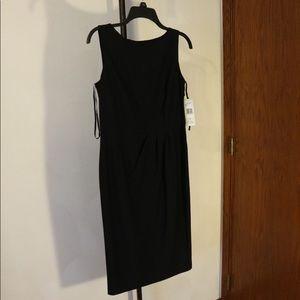Jones New York Black Sleeveless Sheath Dress